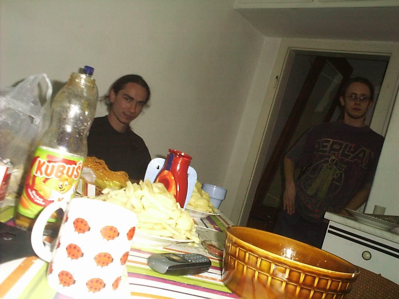 an_con 2004 - przygotowania do kolacji zakonczone
