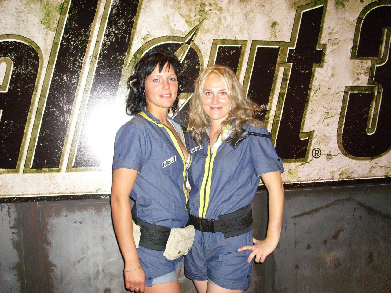 GLC 2008 booth babes