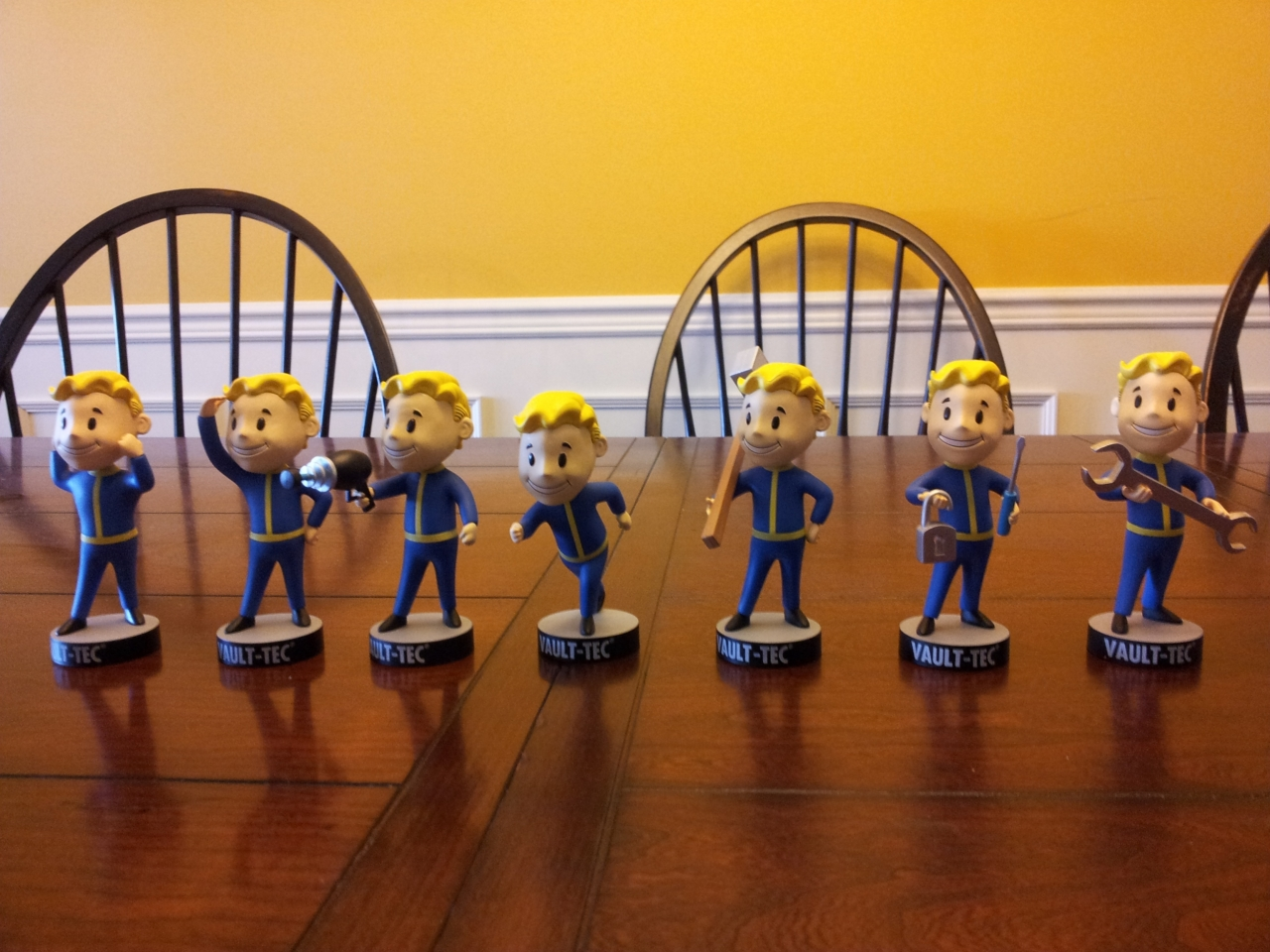 Official Fallout 3 bobbleheads unboxing!